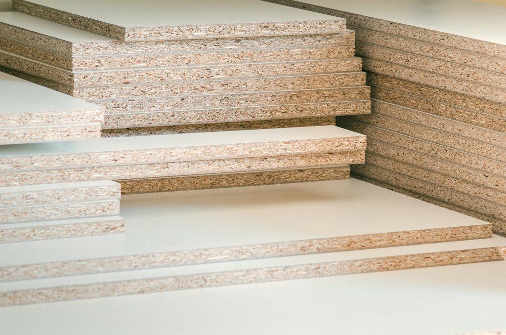 Panneaux bois aggloméré à la découpe